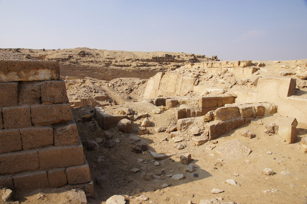 Western Cemetery: Site: Giza; View: G 2100, G 2110, G 2112, G 2111, G 2113, G 2041, G 2000