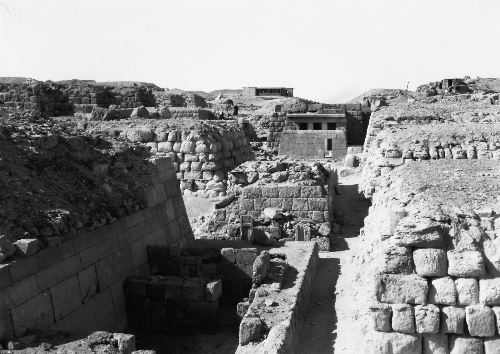Western Cemetery: Site: Giza; View: Kaninisut III (G 2156a), G 2155, G 2160, G 2136, Djednefret (G 2136a), G 2135, G 2100-II