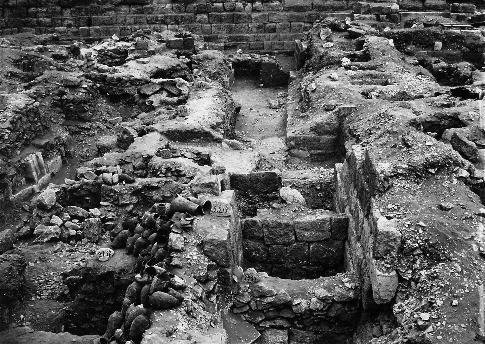 Western Cemetery: Site: Giza; View: S 2434, S 2219, S 2217, S 2430/2449, S 2221/2224, S 2228/2231, S 2437, S 2216, S 2191/2199, Sensen
