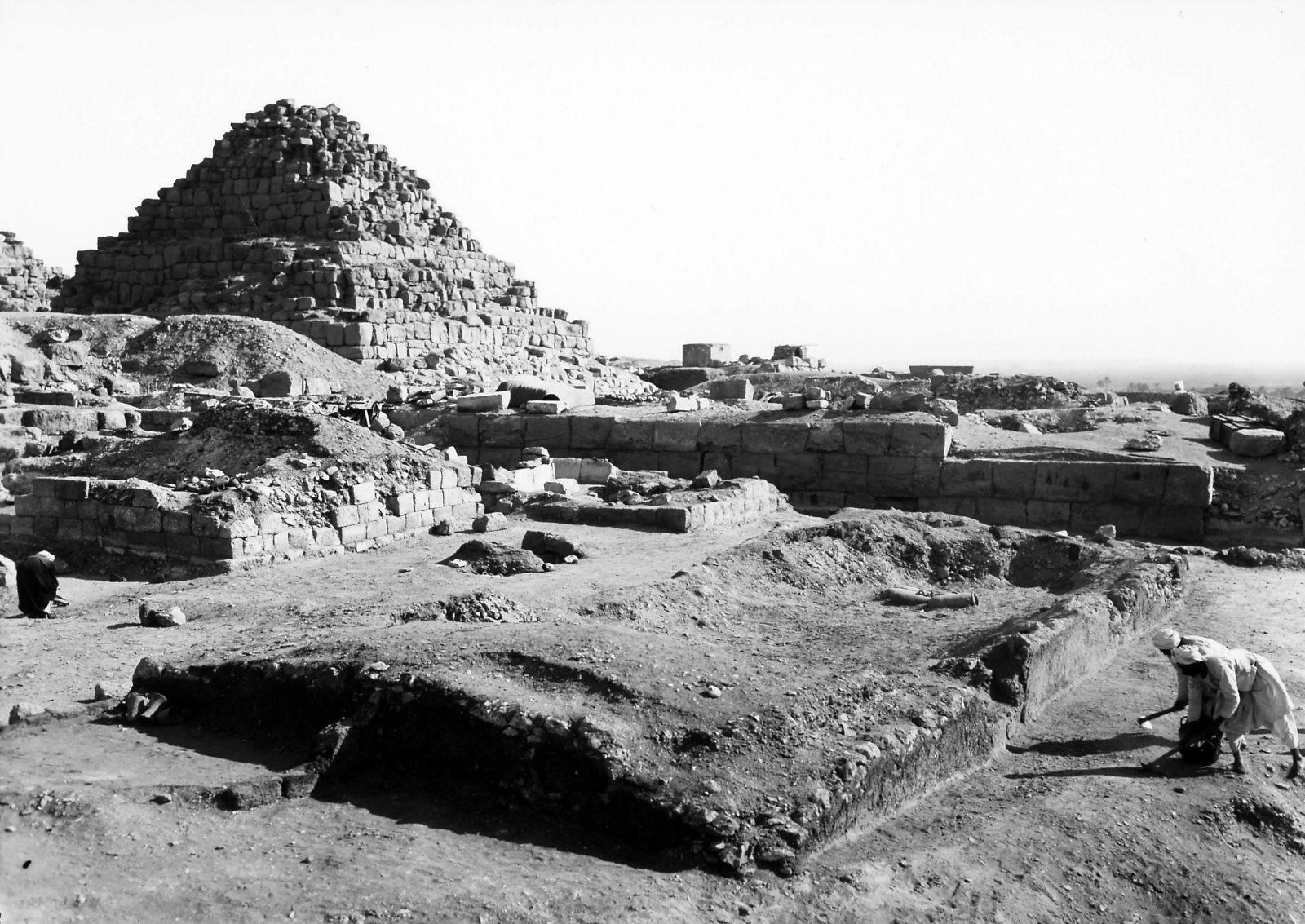 G I-South Cemetery: Site: Giza; View: Magazin, Sehetepu Tepu, Lepsius 53, Heneni
