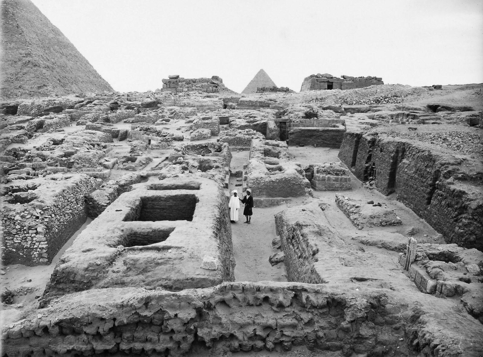 Western Cemetery: Site: Giza; View: S 4290, Iiu, G 1351, S 4233/4283, Hetepkhnemet, S 4299, S 4285/4287