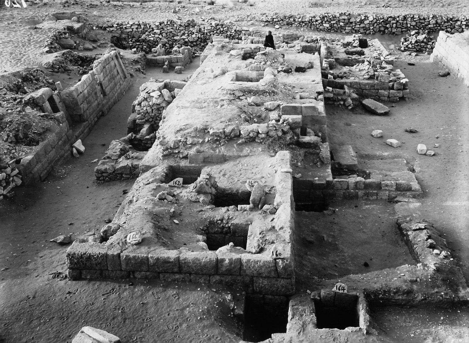 Western Cemetery: Site: Giza; View: D 106, S 160, S 164, S 166, D 105, D 109, D 108, D 107, D 103, D 104