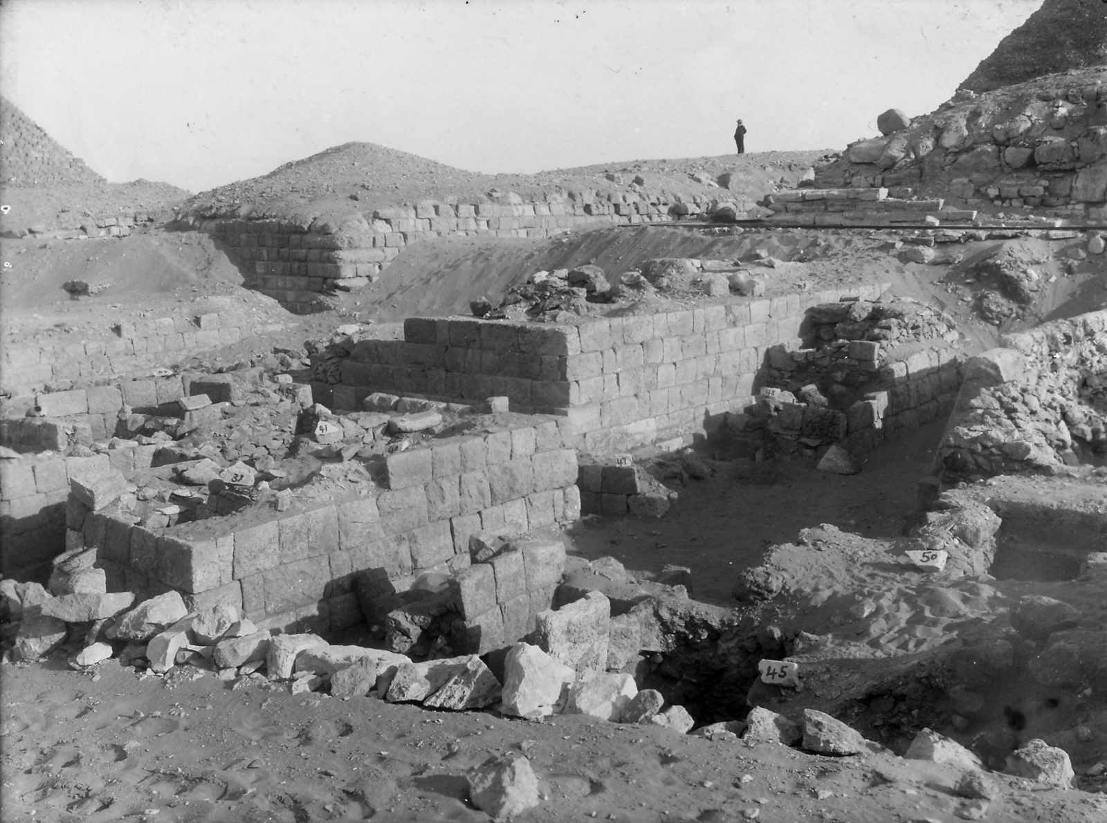 Western Cemetery: Site: Giza; View: D 104, D 105, D 107