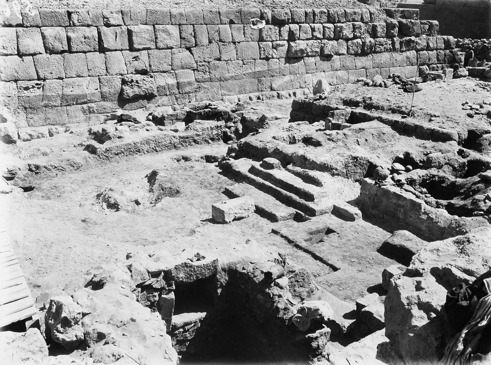 Western Cemetery: Site: Giza; View: G 5150, G 5340, S 844/845