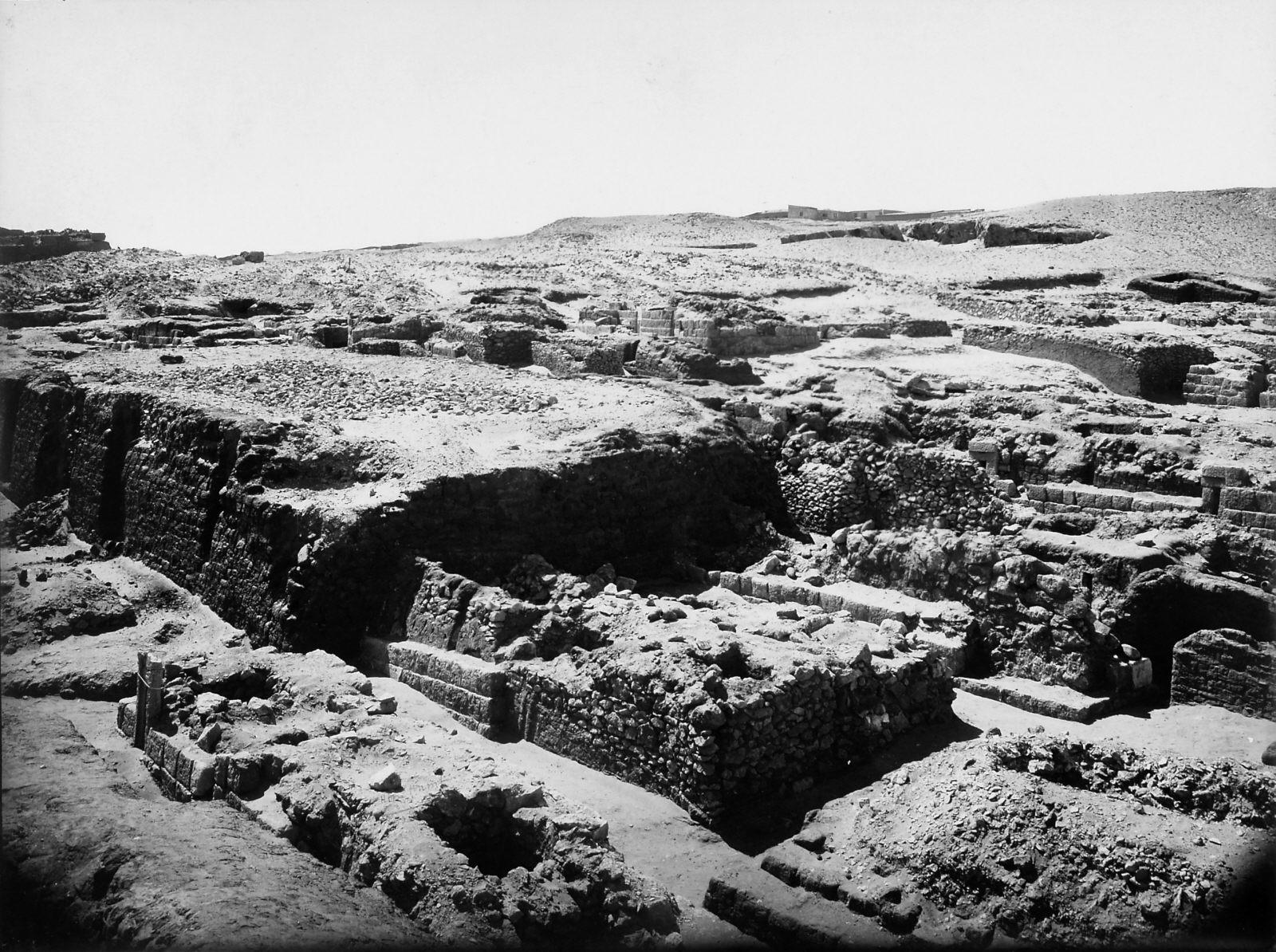 Western Cemetery: Site: Giza; View: S 4370/4378, Hetepkhnemet, S 4285/4287, S 4380, S 4373/4379