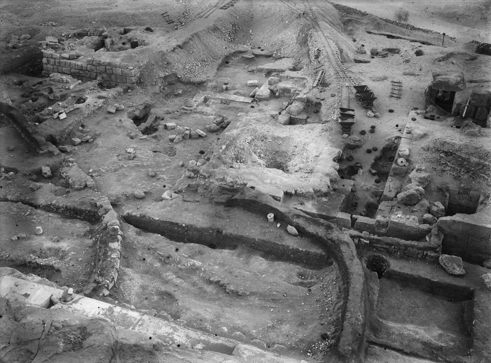 Eastern Cemetery: Site: Giza; View: avenue G 4