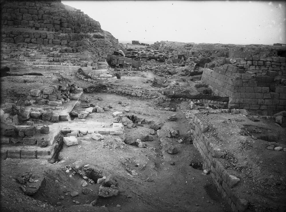 Eastern Cemetery: Site: Giza; View: street G 7000, G 7050, G 7152, G 7150, G I-c, G 7000 SW 27