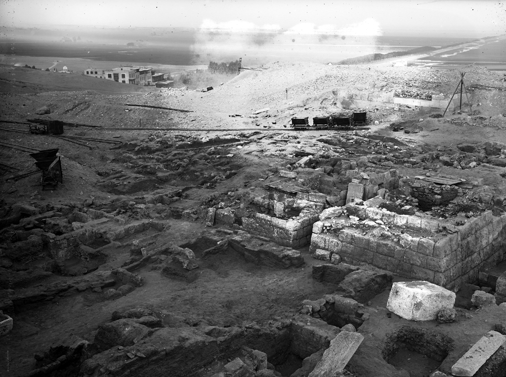 Western Cemetery: Site: Giza; View: G 2000, G 2032, G 2033