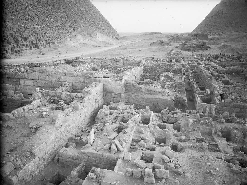 Western Cemetery: Site: Giza; View: G 2375, G 2374, G 2414, G 2413, G 2412, G 2371, G 2360, G 2411, G 2410, G 2362, G 2363, G 2364, G 2365, G 2366