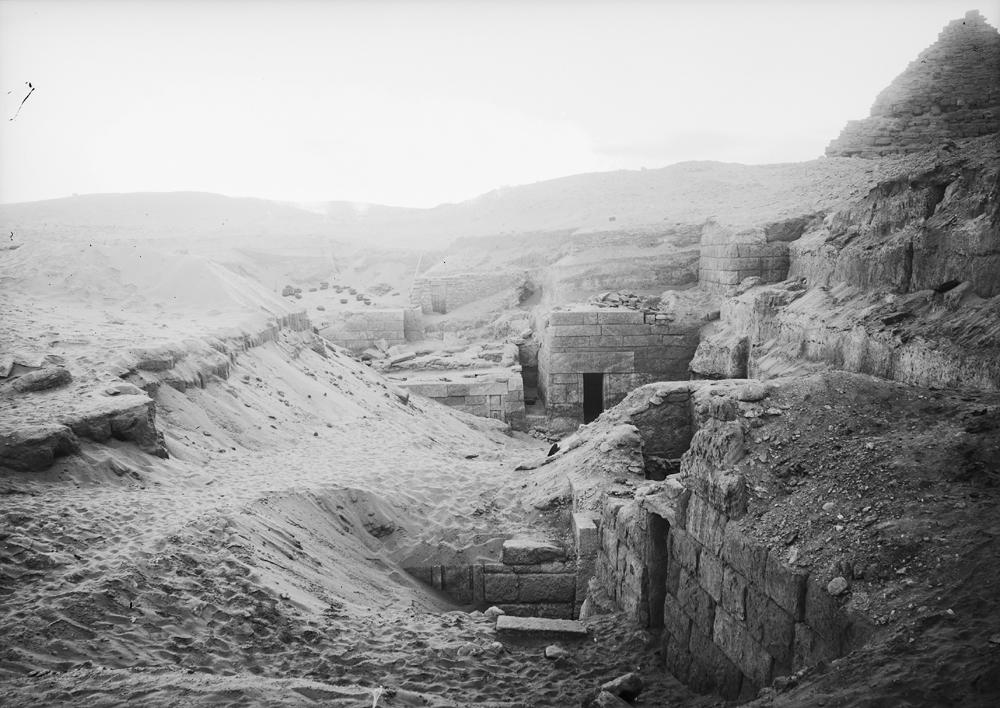 Menkaure Quarry Cemetery: Site: Giza; View: MQ 132, MQ 133, MQ 120, MQ 134