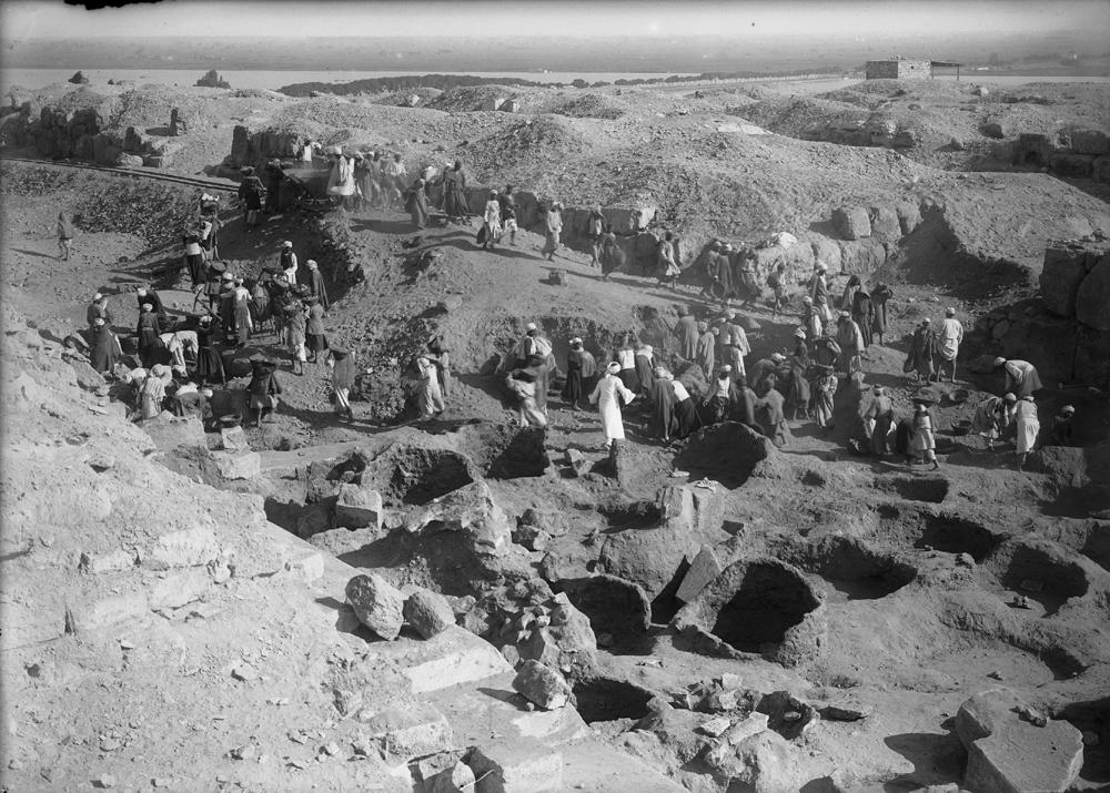 Eastern Cemetery: Site: Giza; View: street G 7000, bin 2, bin 3, bin 4, bin 5, bin 11, bin 15, bin 17, bin 22, bin 24