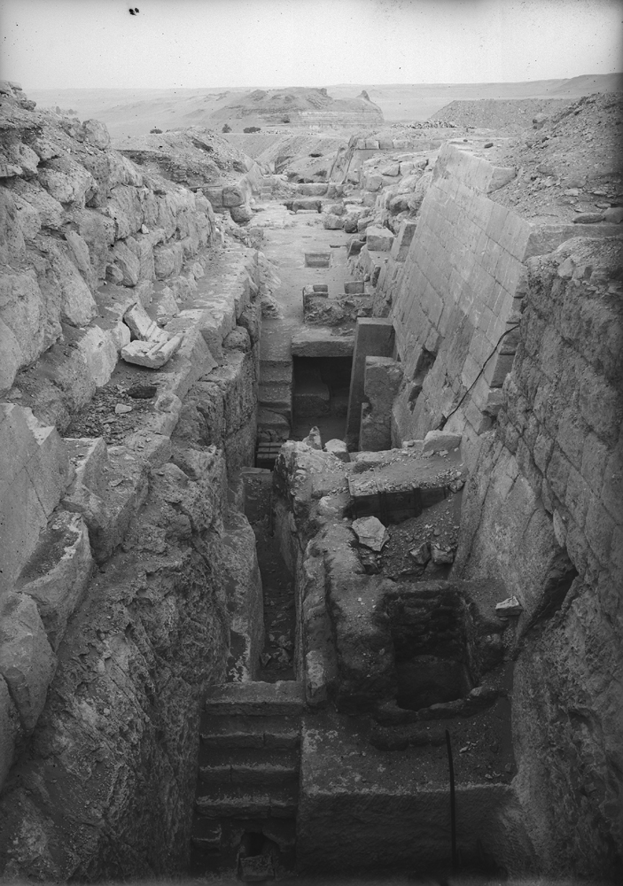 Eastern Cemetery: Site: Giza; View: street G 7500, G 7520, G 7530-7540, G 7525