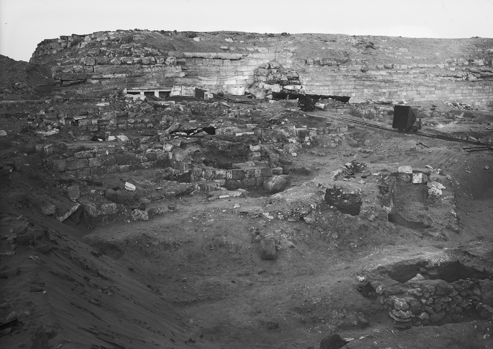 Western Cemetery: Site: Giza; View: G 2017, G 2016