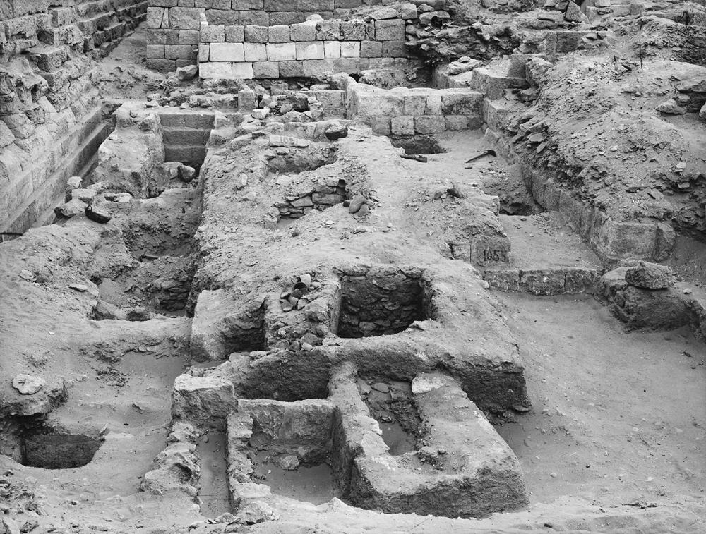 Western Cemetery: Site: Giza; View: G 1057, G 1053, G 1052, G 1051, G 1089, G 1088, G 1087, G 1050, G 1086, G 1085, G 1049, G 1048, G 1047, G 1055