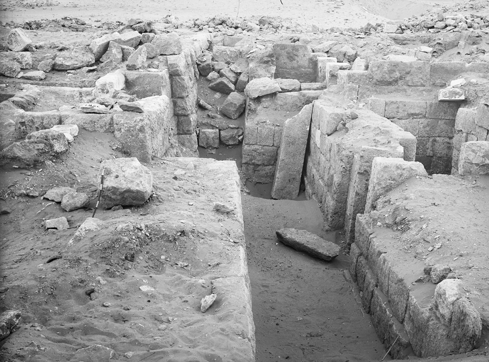 Western Cemetery: Site: Giza; View: G 2003, G 2005, G 2006, G 2004