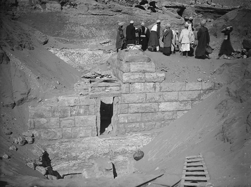 Menkaure Quarry Cemetery: Site: Giza; View: MQ 133, MQ 102