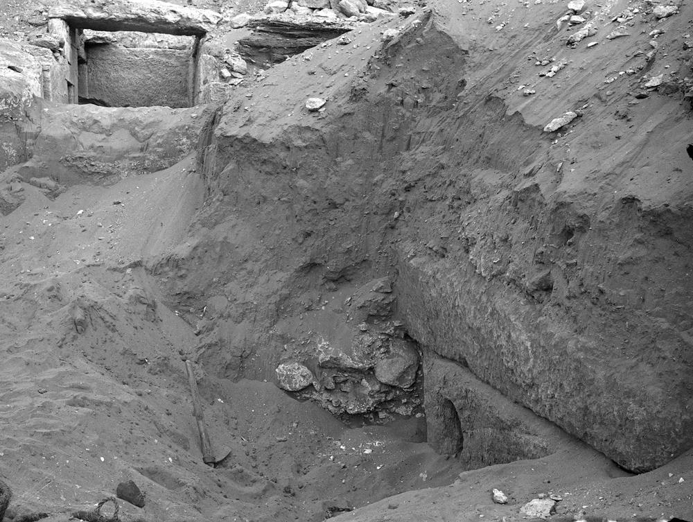 Menkaure Quarry Cemetery: Site: Giza; View: MQ 102