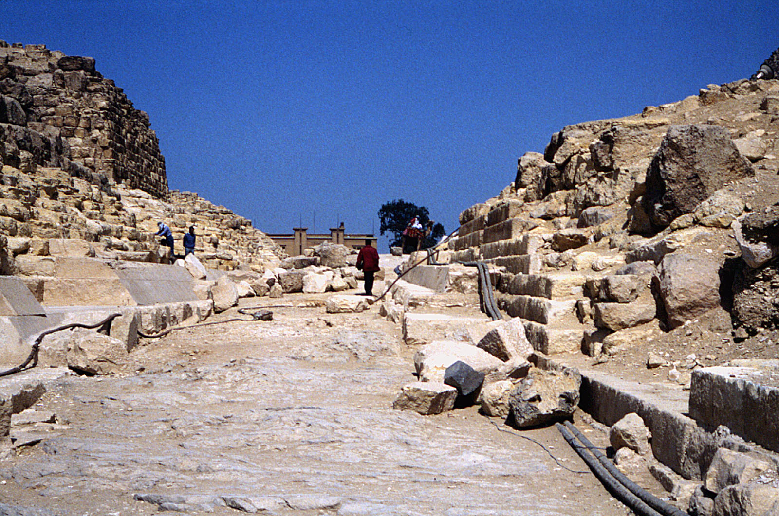 Eastern Cemetery: Site: Giza; View: G I-b, G 7110-7120