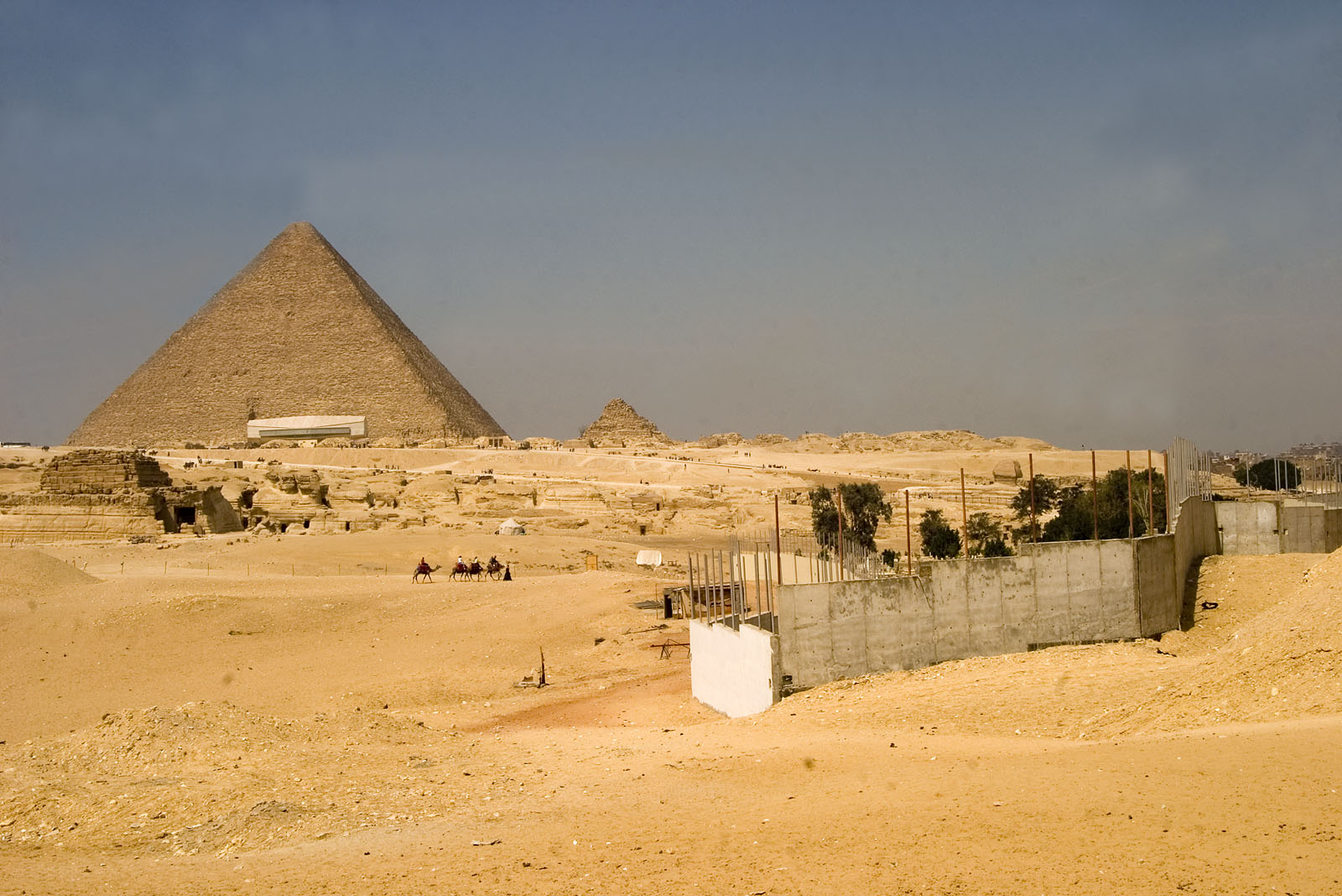 General view: Site: Giza; View: G 8400, Khufu pyramid