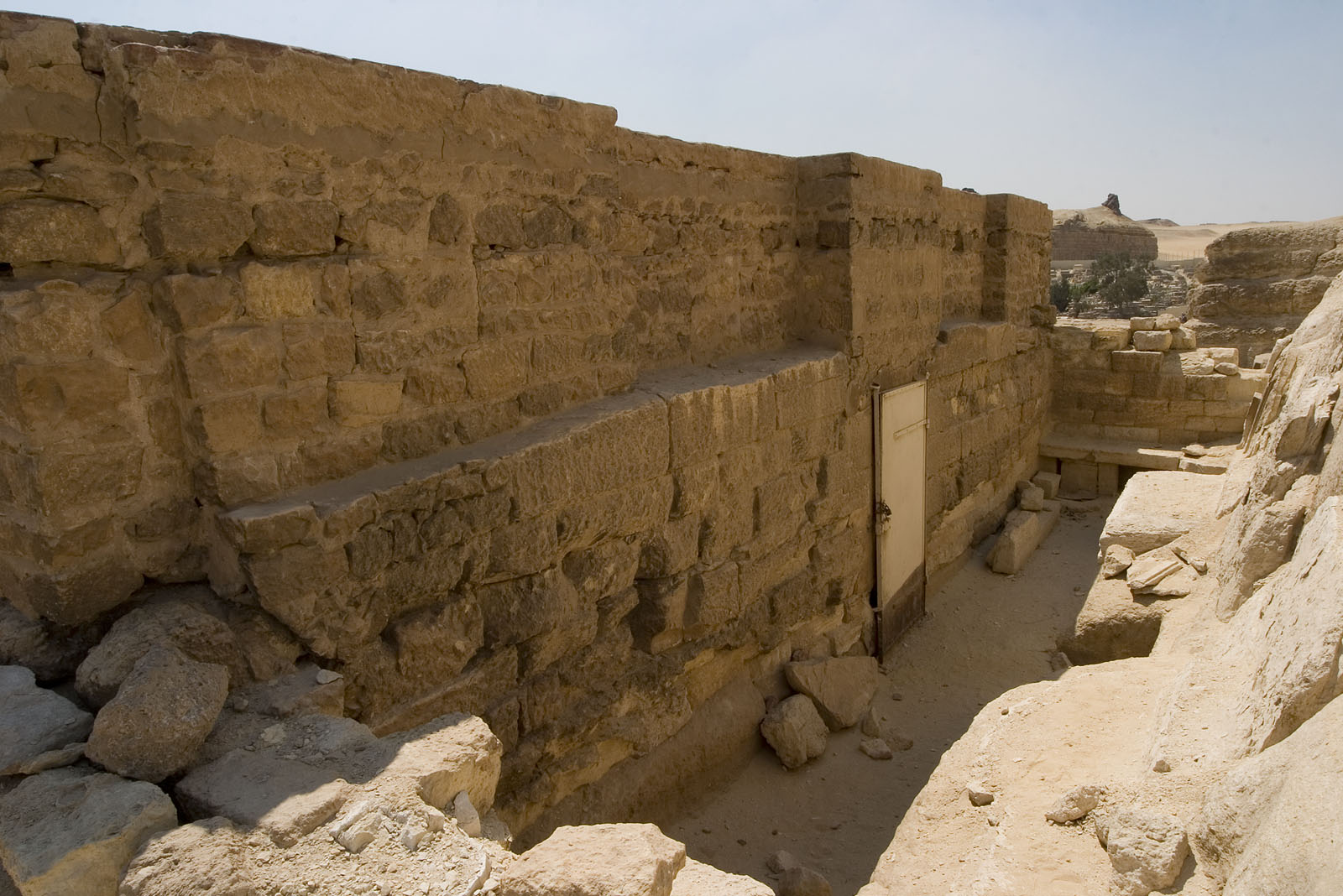 Central Field (Hassan): Site: Giza; View: G 8740