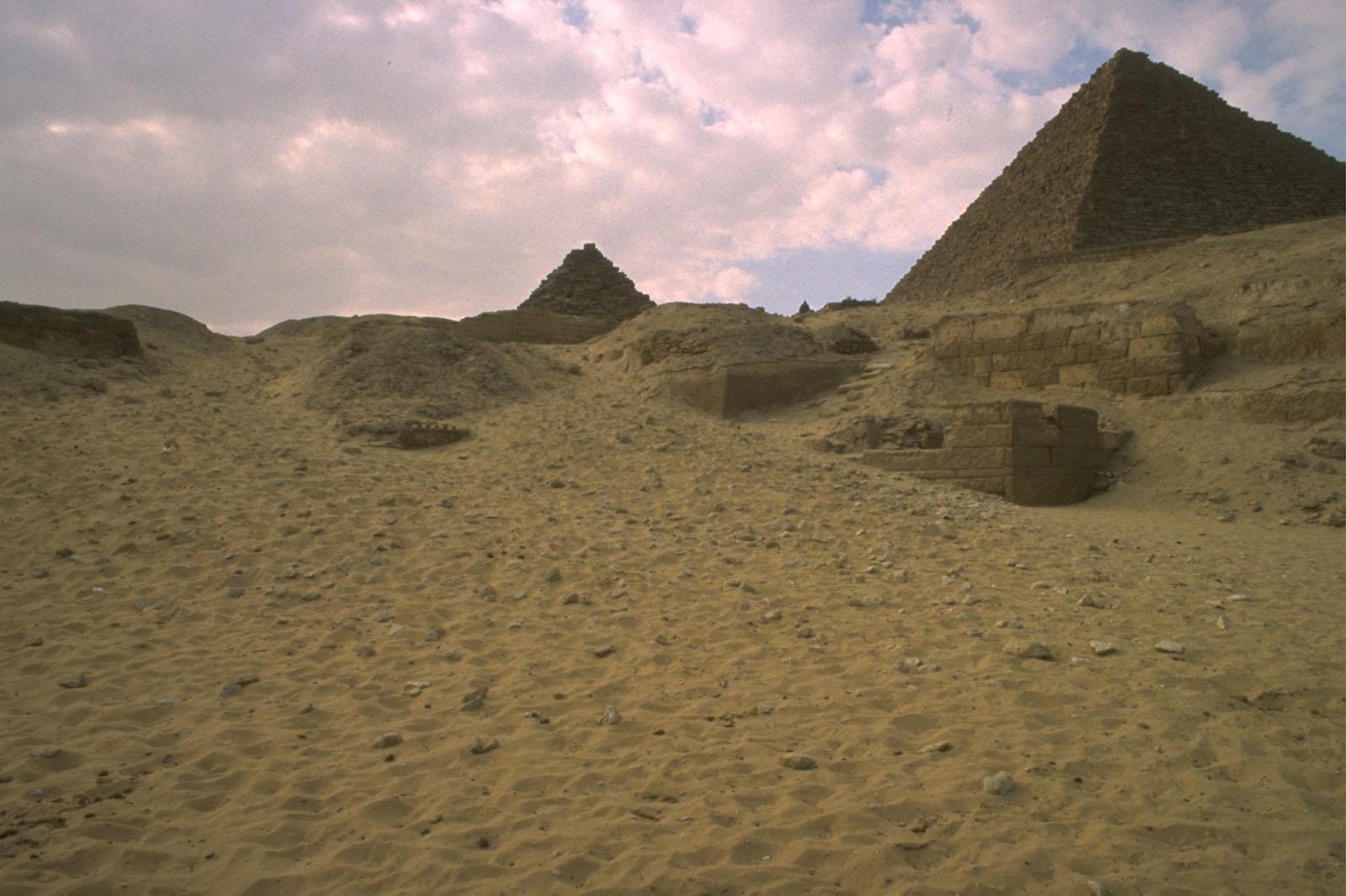 Menkaure Quarry Cemetery: Site: Giza; View: MQ 120, MQ 105