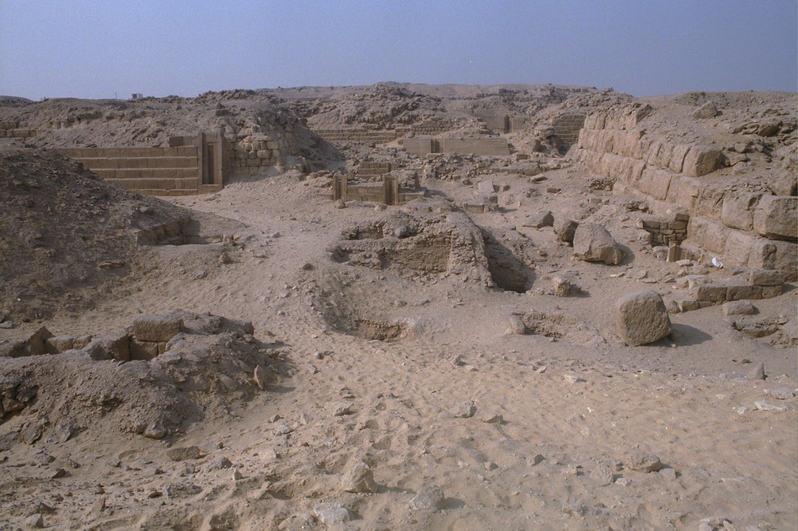 Western Cemetery: Site: Giza; View: G 2223, G 2154, G 2151, G 2225, G 2157, G 2170, G 2150, G 2154a, G 2156', G 2139, G 2138